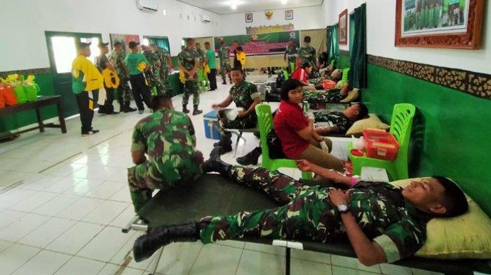 Keluarga Besar Brigif 21/Komodo Gelar Bakti Sosial di Hari Juang TNI AD
