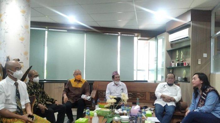 Ketua DPD RI La Nyalla Sambangi Kampus UCB Kupang, Begini Suasananya