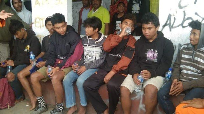 Tujuh Remaja Langke Rembong Tersesat, Ditemukan Selamat di Hutan Golo Lusang Dengan Kondisi Lemas