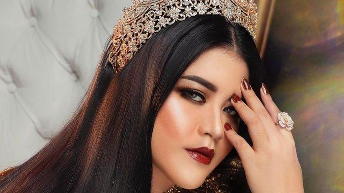 Cantik nggak ketulungan bak seorang ratu, penampilan putri presiden Kahiyang Ayu saat lakukan pemotretan ini sukses bikin pangling hingga dibilang mirip Raisa.