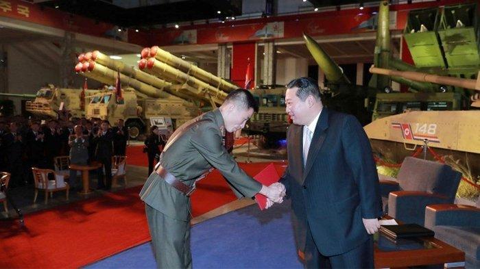 Kim Jong-un Bersumpah untuk Membangun 'Militer yang tak Terkalahkan'