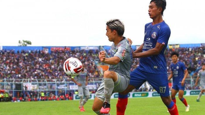 Cedera Retak Tulang Rusuk Penyebab Kim Jeffrey Kurniawan Absen di Laga Persib Vs Madura United,INFO