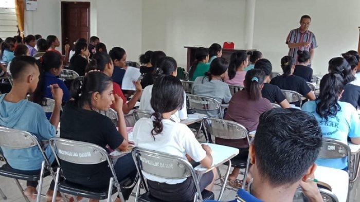 Komisi Kitab Suci KAK Gelar Pendalaman Kitab Suci Bersama Mahasiswa STIPAS Kupang