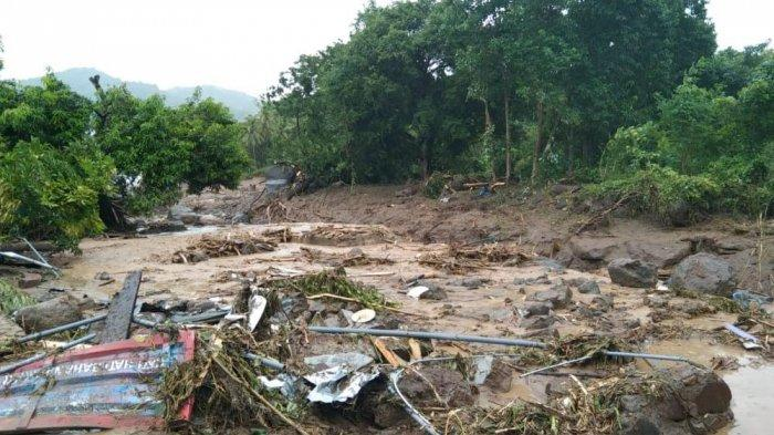 Kondisi banjir bandang di Waiwerang, Adonara Timur
