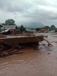 Kondisi rumah warga akibat banjir bandang di kecamatan Adonara Timur dan Ile Boleng Flores Timur