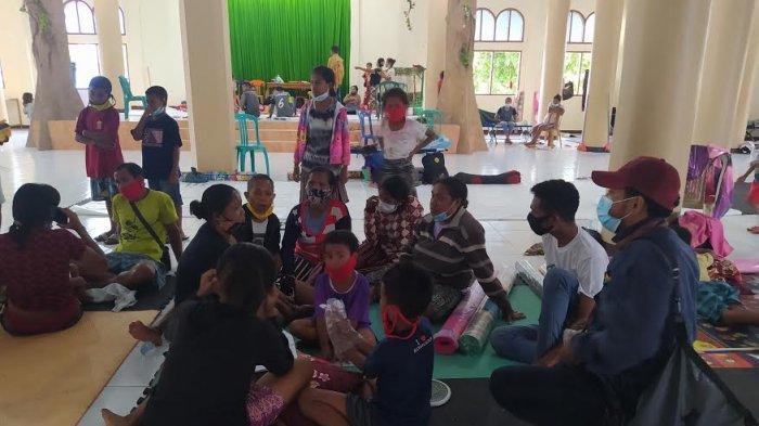 Kapolres Kupang Kota dan Dandim Kupang Pantau Warga Korban Longsor di Gereja TDM