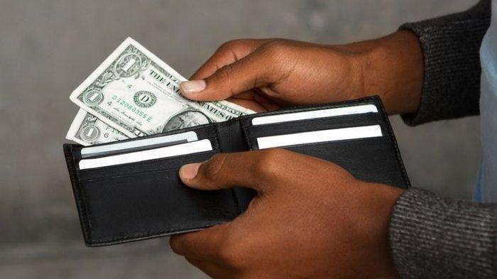 Arti Mimpi Kehilangan Uang Bersama Dompet, Pertanda Buruk ...
