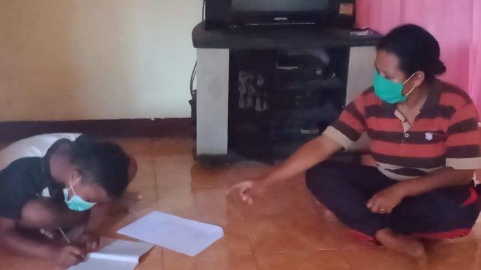 Tak Punya Android, Guru SDN Riit di Sikka Datangi Rumah Murid Beri Pelajaran