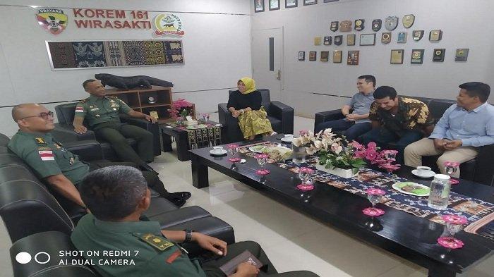 Jalin Silaturahmi, Pimpinan Pos Kupang Kunjungi Korem 161 Wirasakti