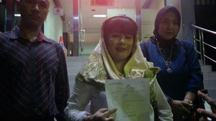 Lakukan Tindakan Anarkis, Dewi Tanjung Laporkan Pendukung Anies Baswedan ke Polda Metro Jaya