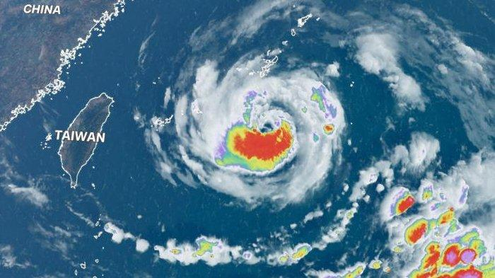 Topan In-fa Menguat di Samudera Pasifik, Jepang, Taiwan, dan China Terancam