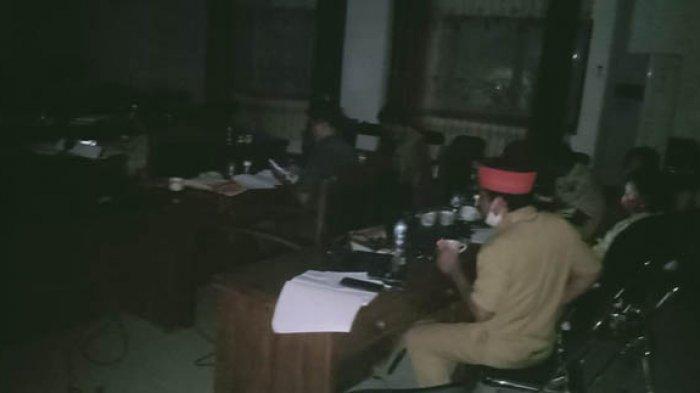 Listrik Padam Empat Kali Rapat Pansus LKPj Bupati Nagekeo Ditunda
