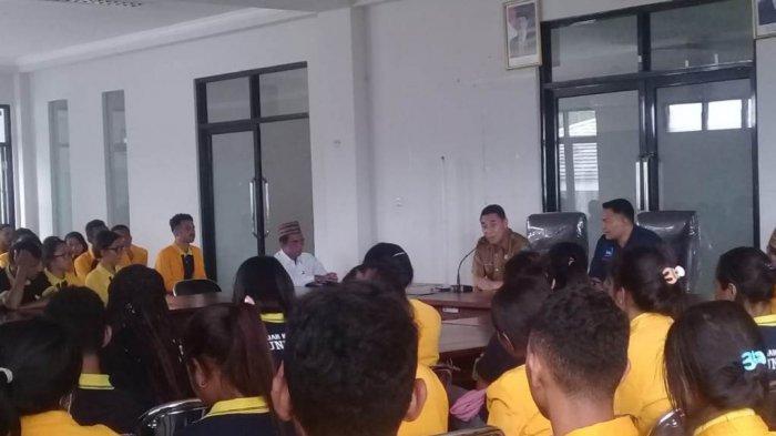 Belajar Langsung Dari Masyarakat, Mahasiswa Undana KKN di Kabupaten Matim