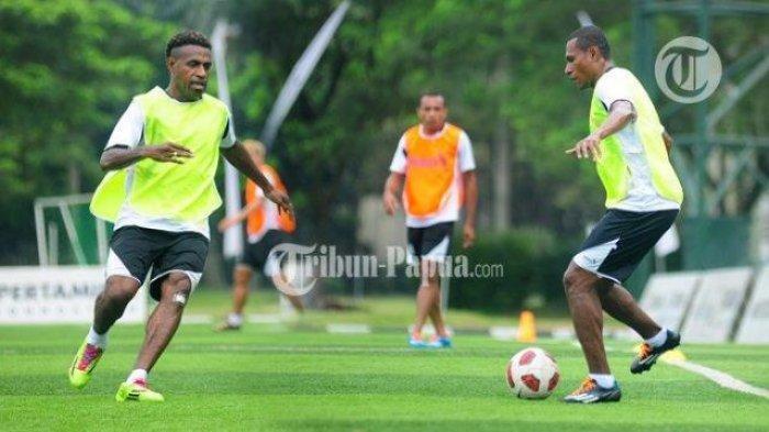 Kok Mau Yah ? Keluar dari Persipura Jayapura, Yustinus Pae Gabung Klub Liga 2 Dewa United