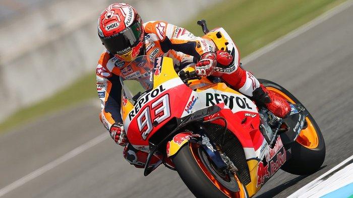 MotoGP Valencia Dihentikan Sementara, Rossi Sedang di Barisan, Bendera Dikibarkan