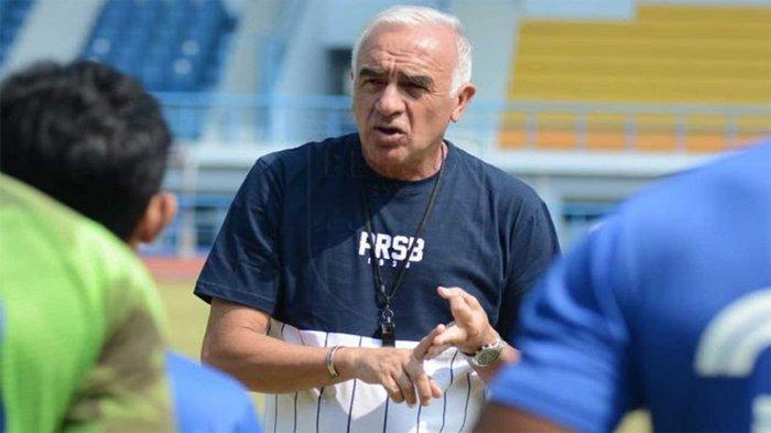 Mario Gomez Dipecat sebagai Pelatih Persib Bandung, ini Penjelasan Teddy Tjahyono