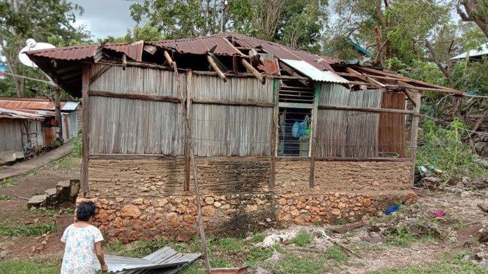 Rumahnya Dihantam Badai Seroja, Martha Naiola Berharap Ada Bantuan dari Pemkot Kupang