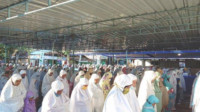 Ribuan Umat Muslim Ikut Sholat Id di Mesjid Nurul Jihad Borong - Manggarai Timur