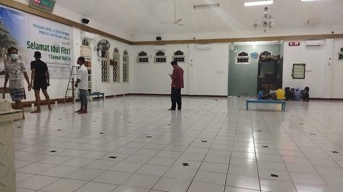 Malam Takbiran, Masjid Darul Hijrah Maulafa Lakukan Persiapan Salat Id