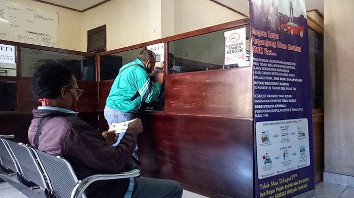 Masyarakat Antuasias Manfaatkan Tax Amnesty Pajak Kendaraan Bermotor di Ngada