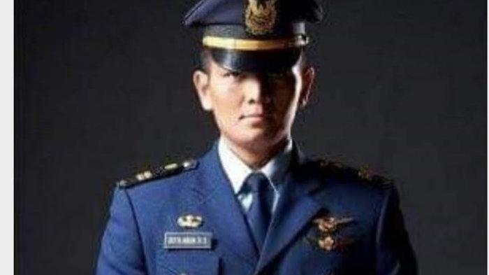 Mayor Penerbang Nian Tanah Sikka Terbangkan Pesawat Kepresidenan Saat ke Sumba Tengah dan Sikka