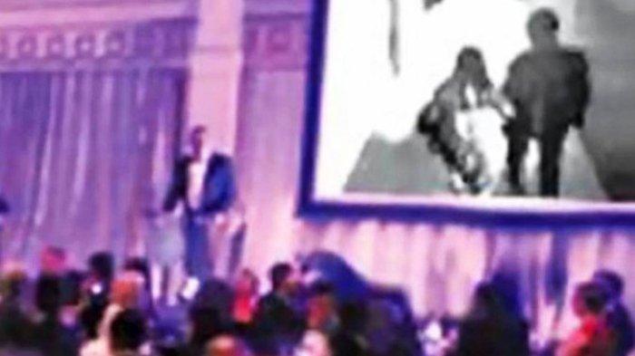 Mempelai Pria Ini Putar Video Calon Mempelai Wanitanya yang Selingkuh di Acara Pernikahan Mereka