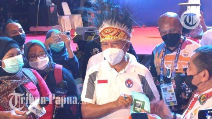 Saksikan Final Sepabola PON XX Papua: Menpora Harap Pemain di PON Masuk Timnas Indonesia