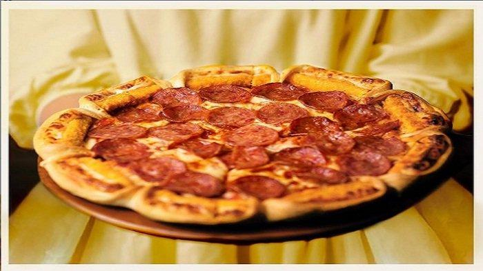 Promo PizzaHut Kamis 8 & 9 April 2021, 2 Makanan, 2 Minuman, Plus 1 Garlic Bread Cuma RP.70.000