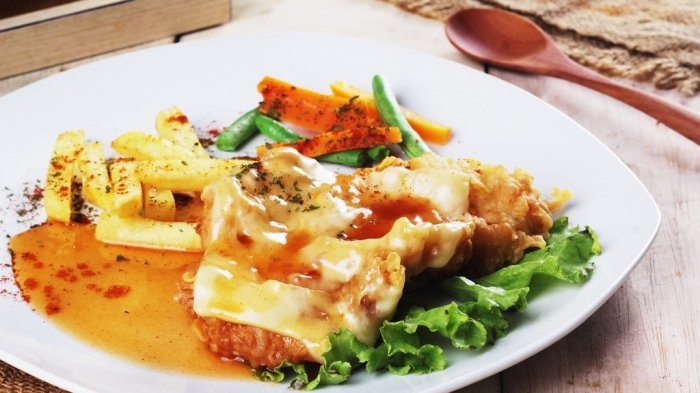 Chicken Parmigia Waroenk, Steik Ayam Khas Italia-Amerika yang Menggiurkan