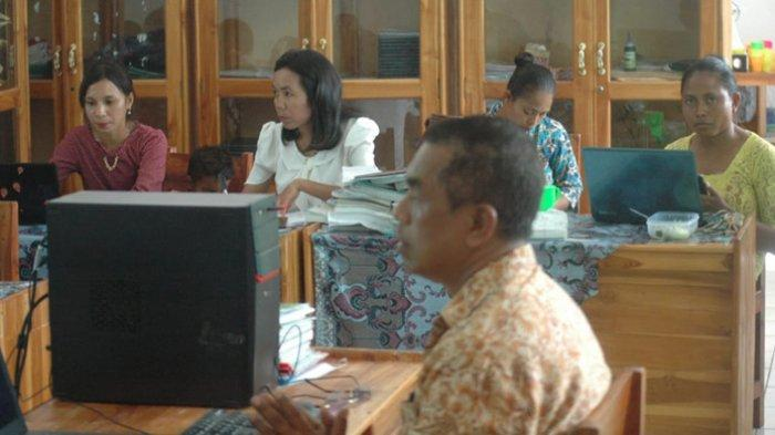 Menyikapi Covid-19, Guru SMAN 2 Tasifeto Timur Belajar Google Form