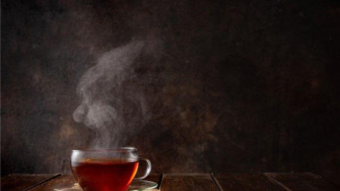 Minum Teh Panas Berpotensi Kanker Kerongkongan