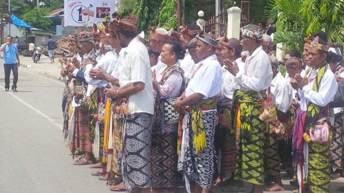 Keren, Di Pawai Kemenangan Paska Ada Natoni dari Jemaat GMIT Kuanfatu