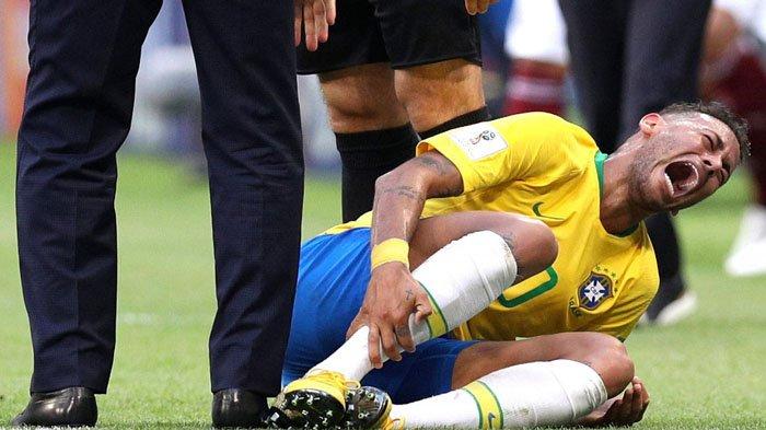Mengerang Kesakitan Sambil Terguling-guling, Pelatih Meksiko : 'Perilaku Neymar Memalukan!'
