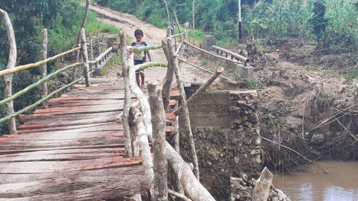 Nyaris Ambruk Tergerus Banjir PemKab Sumba Barat Daya Didesak Perbaiki Jembatan Pogo Tena