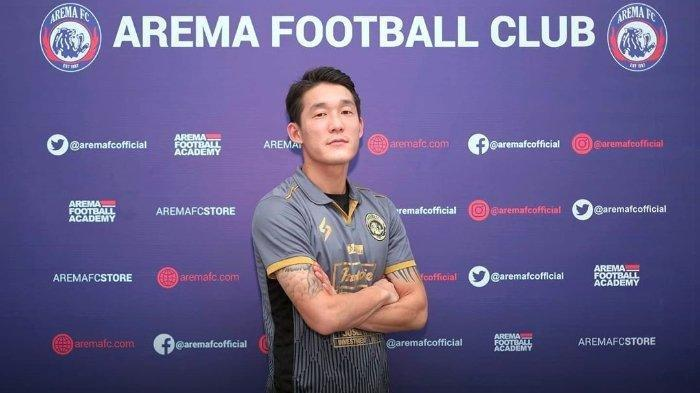 Lihat Sosok Pemain Asing di Arema FC dan Pemberlakuan Aturan Denda Rp 2 Juta Pemain dan Pelatih