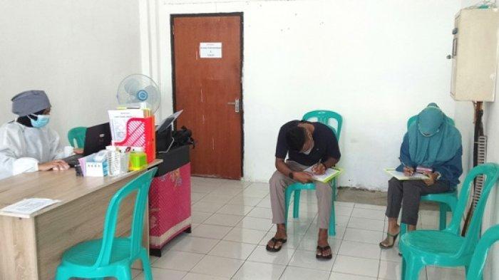 Satgas Jemput Calon Penumpang Terkonfirmasi Positif Covid di Bandara Ende