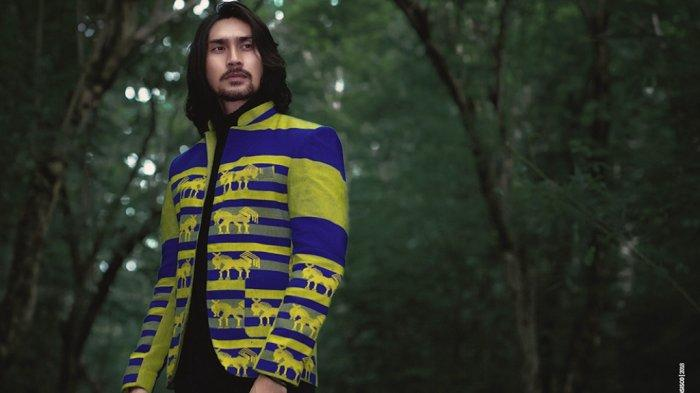 Model Jas Tenun Pria Kekinian  Padu Padan Tenun Dari Erwin Yuan Ini Pantas Kamu Kenakan