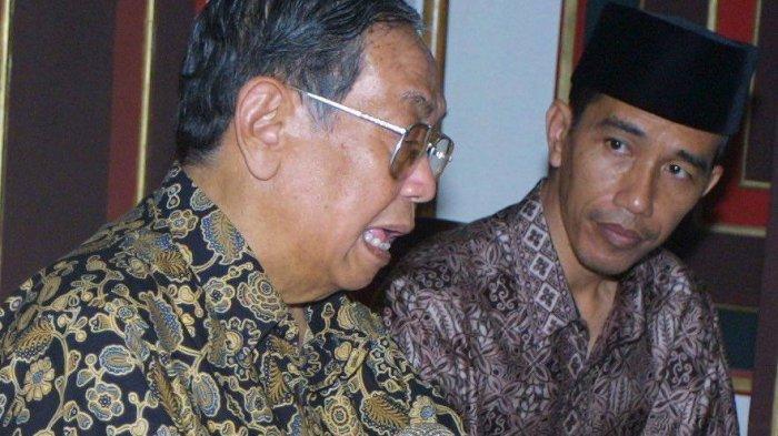 Presiden Gus Dur Ternyata Berani Kibarkan Bintang Kejora Dekat Bendera Merah Putih, Benarkah?