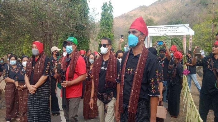 Panitia API Award 2021 Kunjungi Kampung Adat Lewokluok