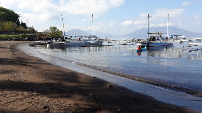 Di Antara Semua Pantai Di Flotim Kadis Pariwisata Sebut Pantai Ini Paling Nyaman Untuk Mandi Pos Kupang