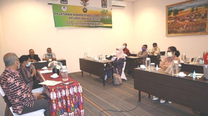 10 Dosen Politani Kupang Dapat Pelatihan Kompetensi SDM Jenjang 6 Keuangan Agribisnis,Ini Tujuannya