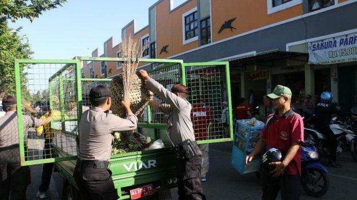 Para Pedagang Heran, Polisi Tiba-tiba Bersihkan Pasar, Ternyata Ini Tujuannya