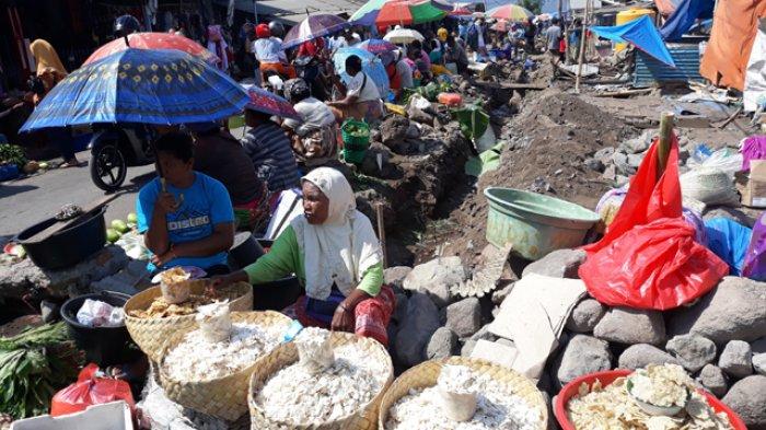 Lingkungan Pasar Inpres Dibenahi, Para Pedagang Kocar-Kacir Mencari Lokasi Jualan