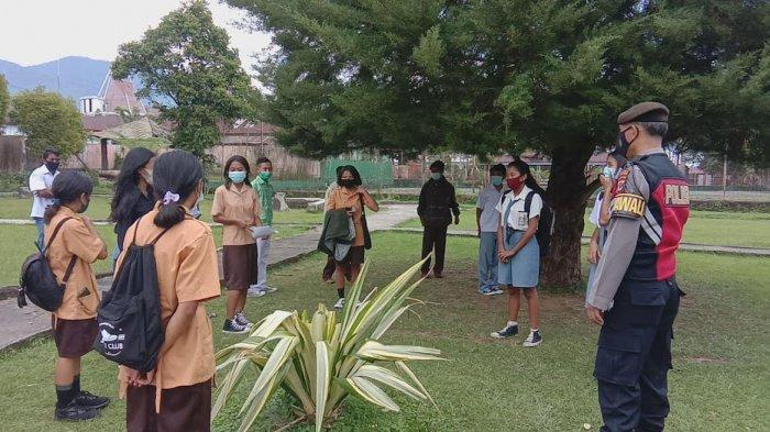 Patroli Prokes Covid-19, Sat Sabhara Polres Manggarai Temukan Pelajar Berkerumun di Taman Kota