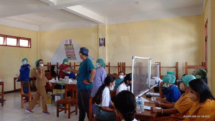 Kepala Sekolah SMA Negeri I Kefamenanu Sambut Baik Pelaksanaan Vaksinasi Bagi Para Siswa
