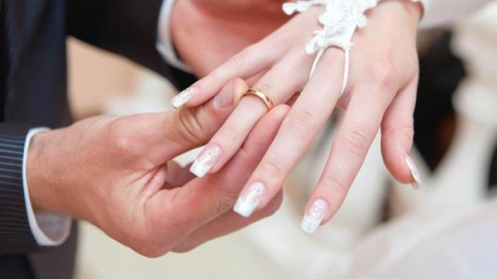 TERLANJUR Sudah Bayar Biro Jodoh Rp 500 Juta, Suami Terkejut Lihat Tubuh  Istrinya di Malam Pertama! - Pos Kupang
