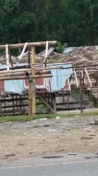 Lapak Jualan Pedagang Waimangura, SBD Memrihatinkan