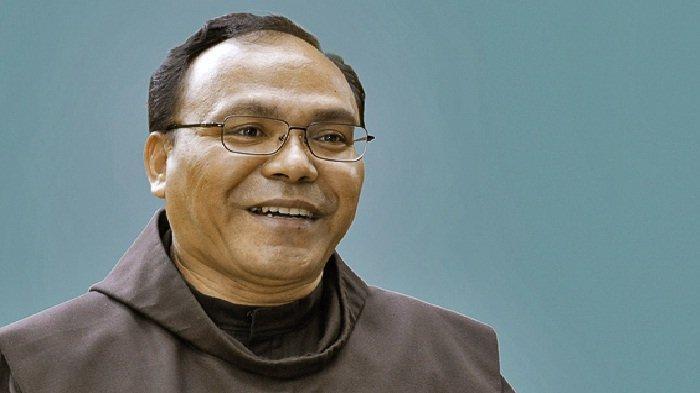 Obituari Pater Dr. Peter C. Aman OFM: Jejak Keterlibatan Abadi