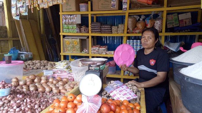 Harga Sembako Melonjak ! Telur di Mbay-Nagekeo Rp 300 Ribu per Ikat