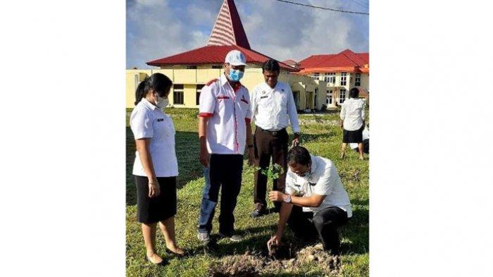 Peduli Lingkungan, Bagian ESDM Gerakan ASN Tanam Pohon Sekeliling Kantor Pemerintahan